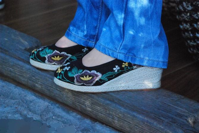 白一带鞋女孩_布鞋家园布鞋家园 丝袜 布鞋家园女兵图片
