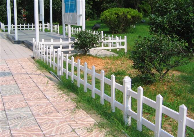 供应草坪护栏图片