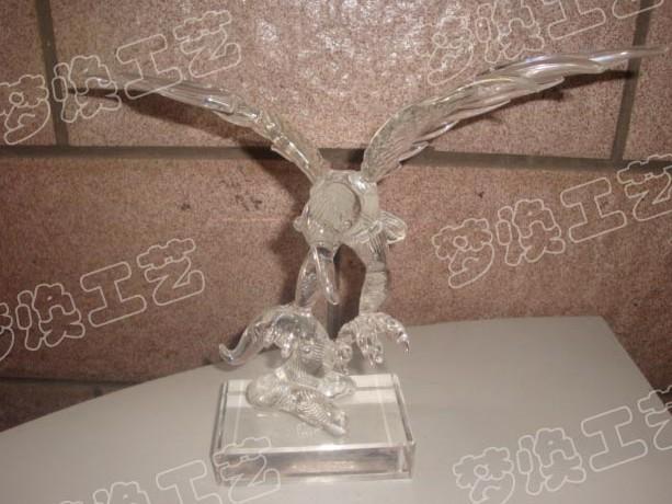 供应上海高尔夫水晶老鹰摆件,水晶动物模型,水晶老鹰,水晶老鹰摆件批发