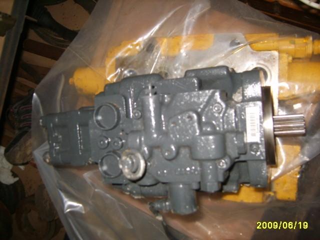 供应小松液压泵滤芯,小松pc300液压泵滤芯 供应小松pc220-8液压泵小松图片