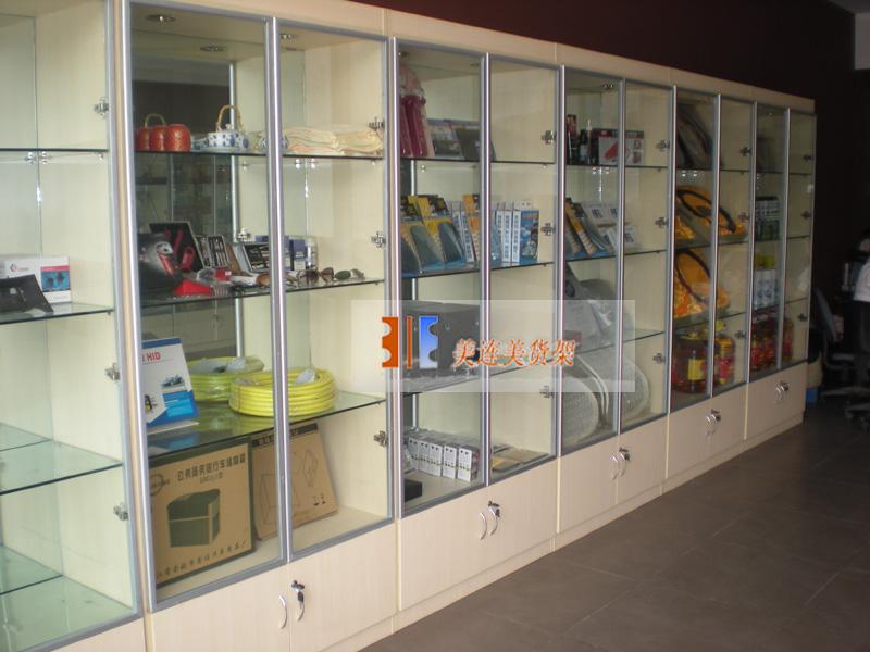 汽车用品展柜图片 汽车用品展柜,汽车坐垫展柜高清图片