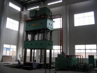 供应佛山液压机价格四柱式万能液压机厂家四柱液压机图片