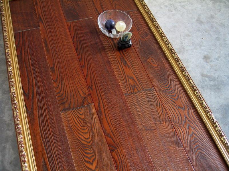 我们公司的水曲柳木地板都是经过防腐