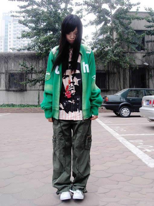 非主流服饰批发专卖店生产供应绿色上衣图片