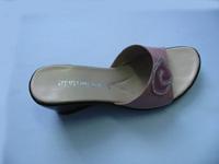 供应江苏女式凉鞋大量批发销售