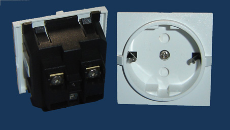 供应一位欧式插座,卡入式欧式插座,流水线插座批发