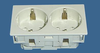 供应卡入式欧式插座,欧式插头,流水线插座,机柜插座批发