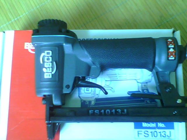 供应F30气动直钉枪,1013气动码钉枪图片