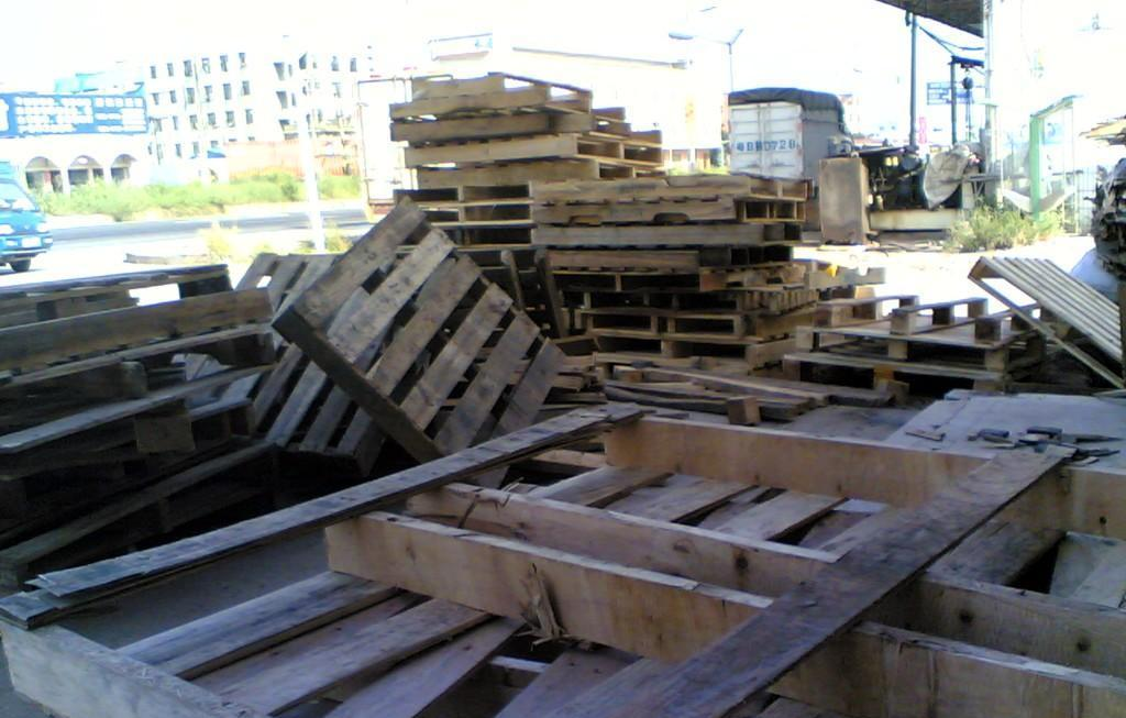 供应上海回收木材公司