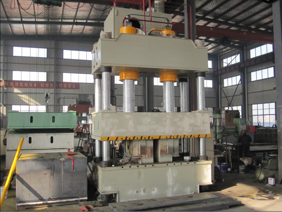 南通超力卷板机制造有限公司生产yhd32系列四柱液压图片