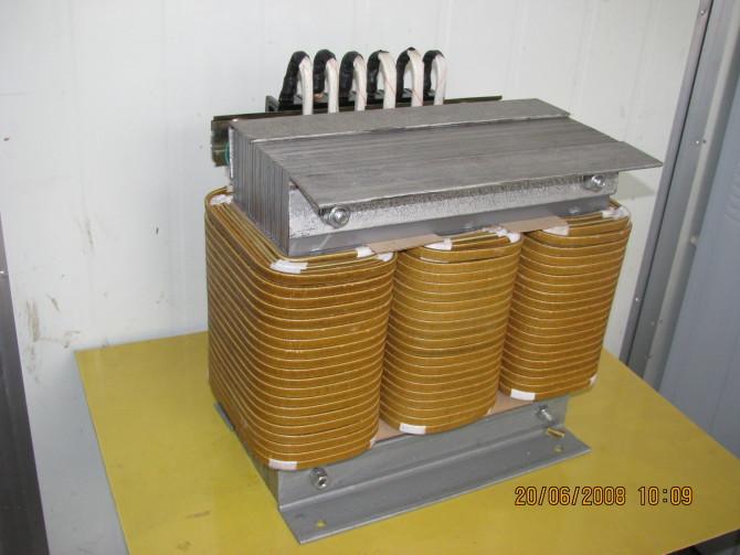 低压电力变压器图片