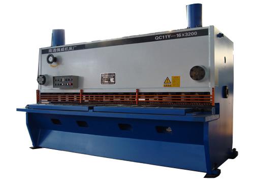供应QC11Y-16×3200液压剪板机