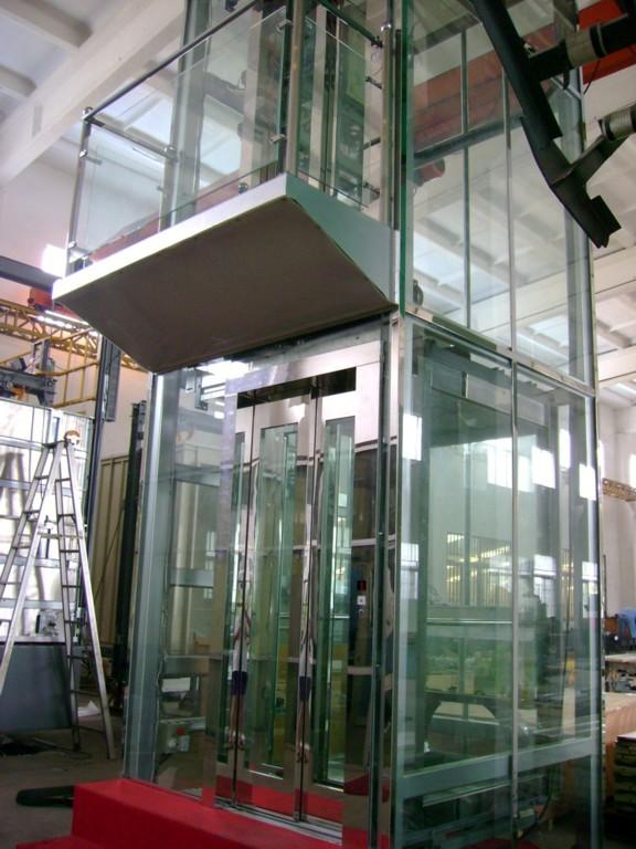 【南通代理电梯玻璃门生产许可证图片库】2固定支座和单向活动支座约束向所承受的水平力为支座竖向设计荷载的10%4.1.3不允许3在活动支座竖向设计荷载作用下, 聚四氟乙烯板在硅脂润滑条件下的设计摩擦因数为:常温(-25~60) 取值...