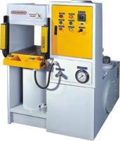 供应200T框架式油压机,四柱液压机,四柱油压机,液压冲床