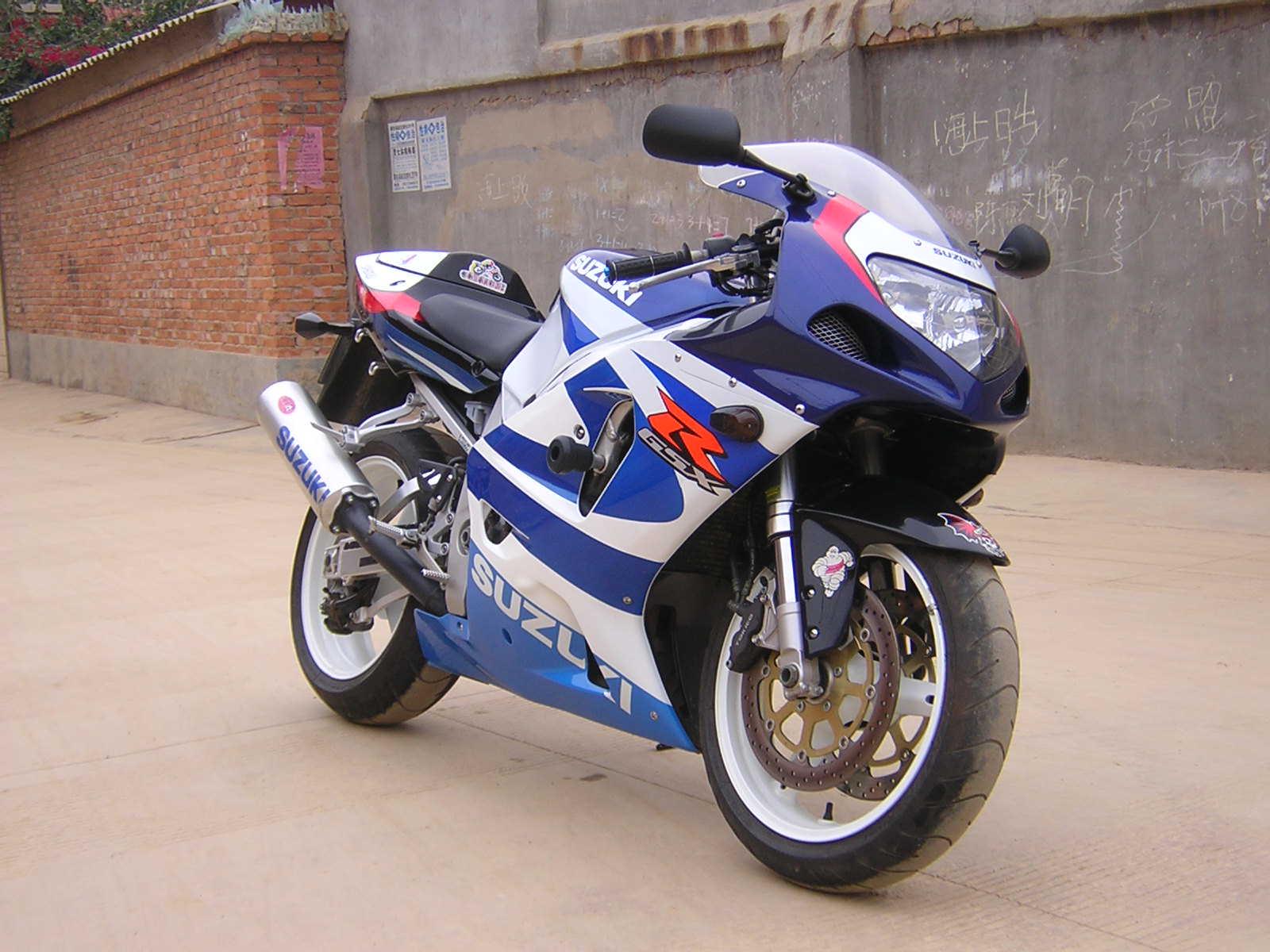 铃木摩托车_铃木400摩托车跑车牌子哪个好 怎么样