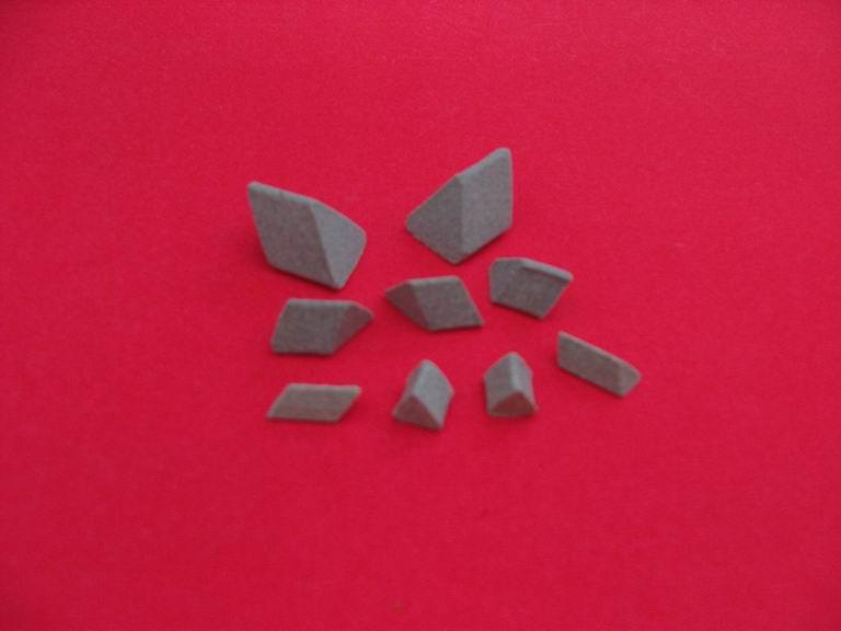 供应五金打毛刺用棕刚玉抛光石研磨石