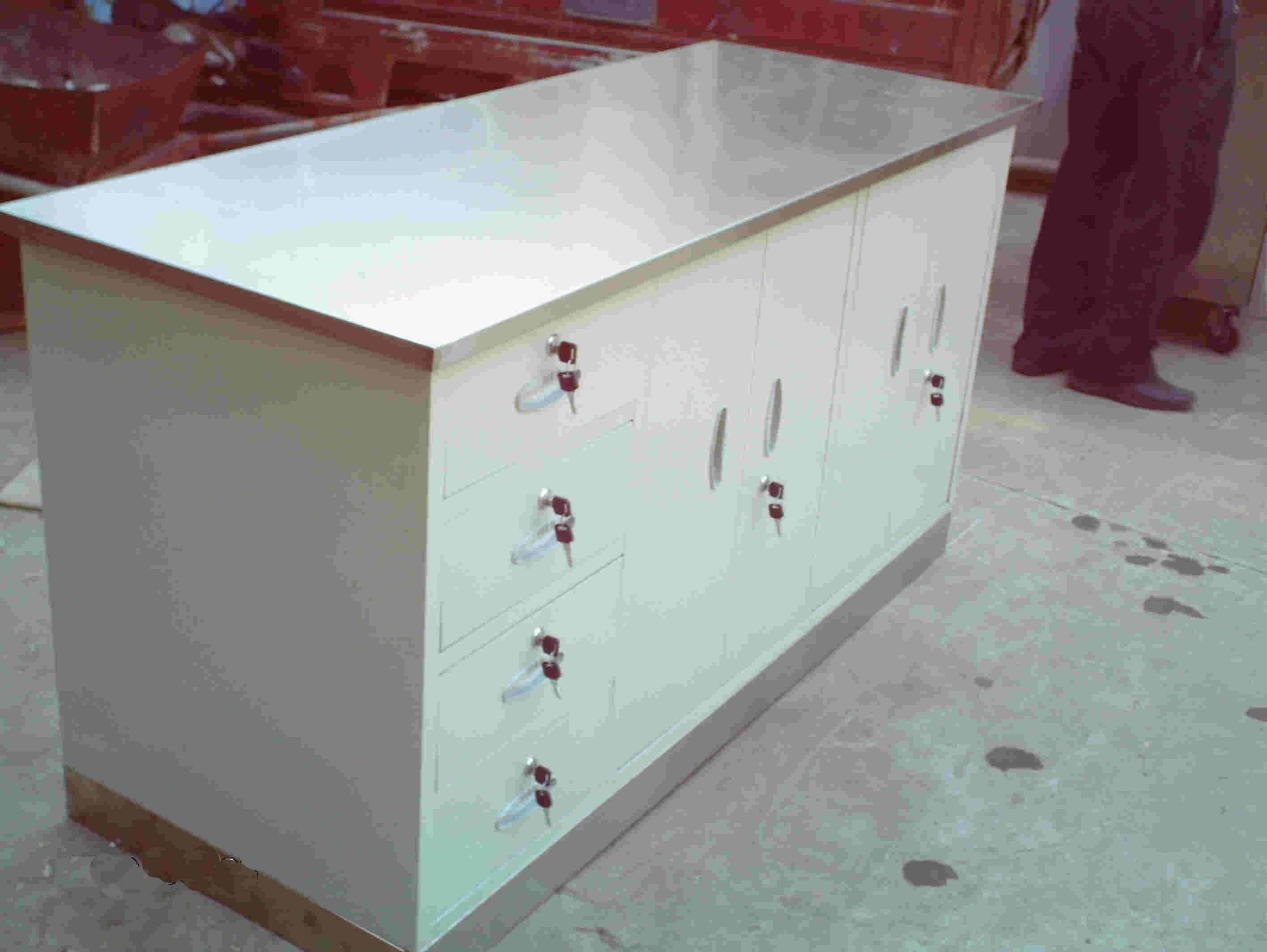 供应不锈钢面工作台