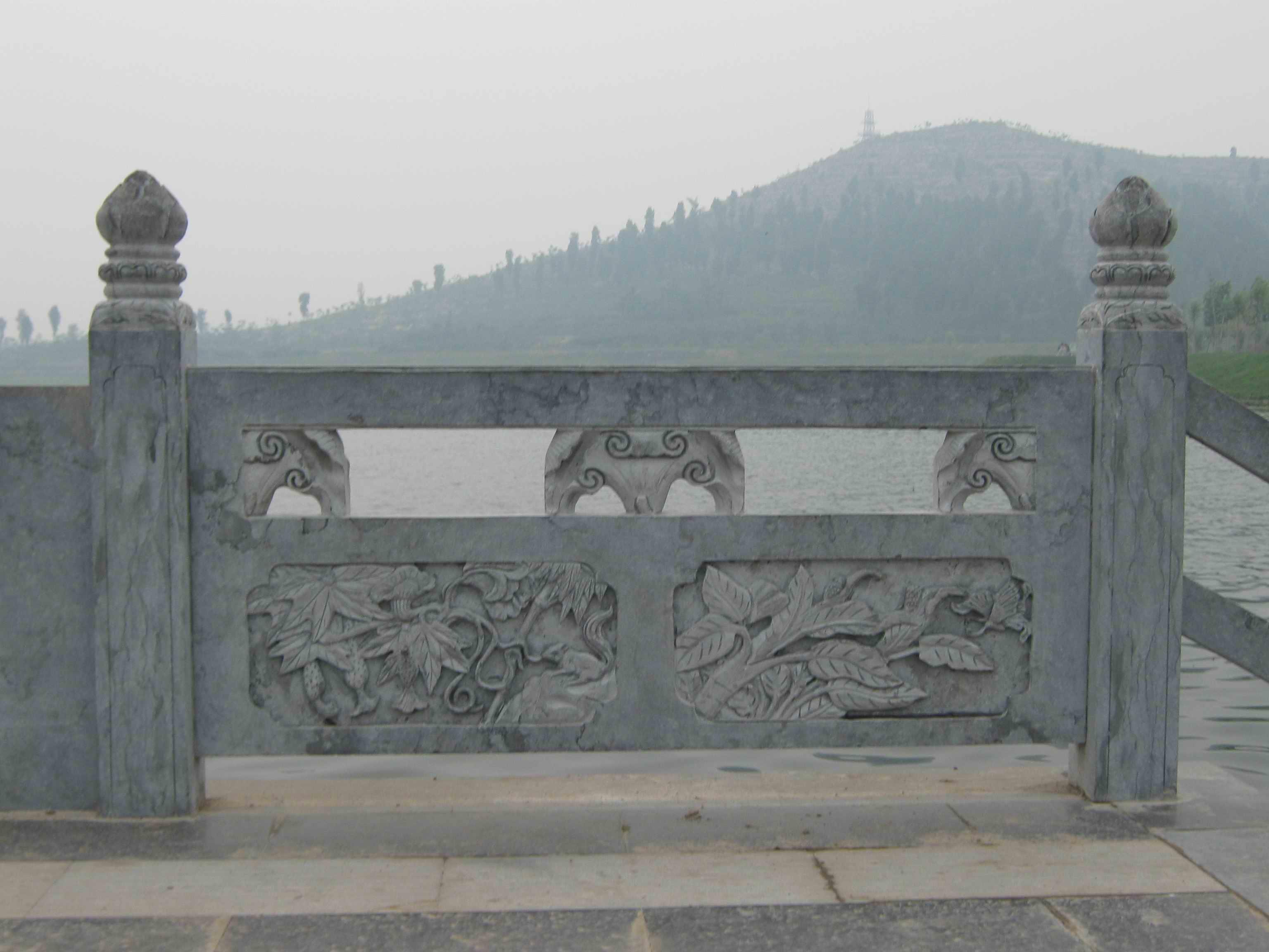 根雕艺术品 相关报价:供应石雕艺术品栏板护栏