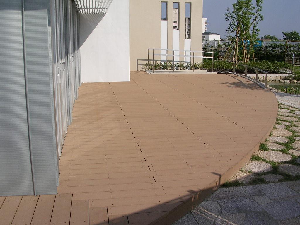 供应塑木地板/户外地板/厂家专业安装  上一条:沈阳塑木户外地板 下一