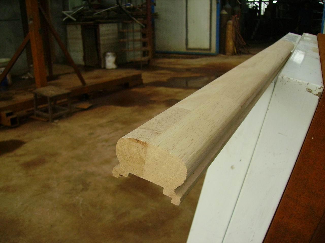 实木楼梯立柱扶手图片