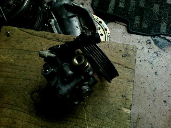 斯巴鲁翼豹八代方向机,助力泵,三角臂等配件,拆车件批发