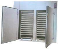 供应热风循环烘箱价格 常群热风循环烘干箱图片
