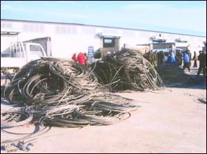 求购北京办公家具回收屏风隔断员工位回收