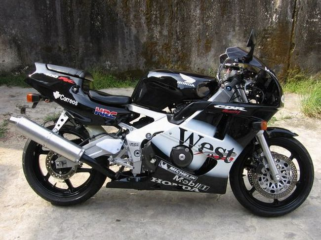 万达集团摩托车行 求购出售摩托车本田cbr600高清图片