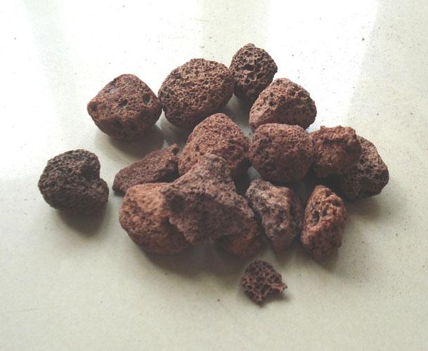 供应用于火山石的水处理 烧烤炉专用火山石浮石火山岩滤料