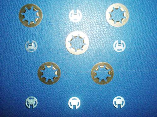 螺丝垫片冲压模具结构图