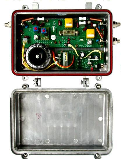放大器图片 放大器样板图 干线防雷型放大器R型 济南惠通...