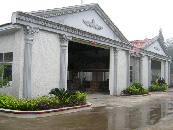 柱钢模具;精致的装饰屋檐图片
